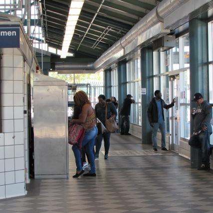 pix-hempstead-bus-station-inside-3