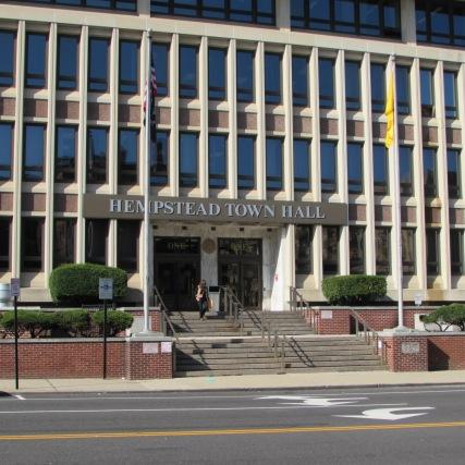 PIX HEMPSTEAD TOWN HALL WASHINGTON AVE